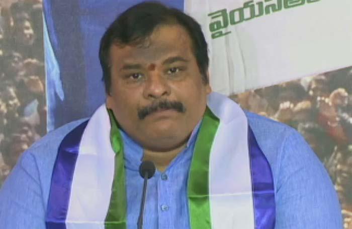 telangana ysrcp president gattu srikanth reddy resigned