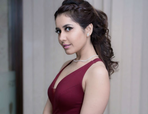 is rasikhanna-ready to romance with that hero...