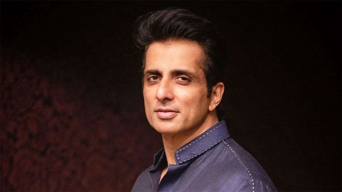 actor sonu sood helps to get enough oxygen supply in ap