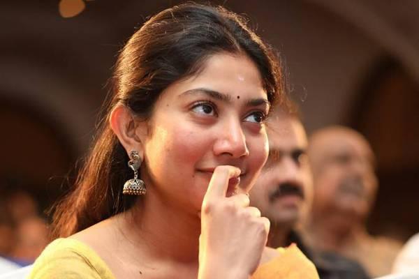 Sai Pallavi gave shock to Shekhar Kammula ..!