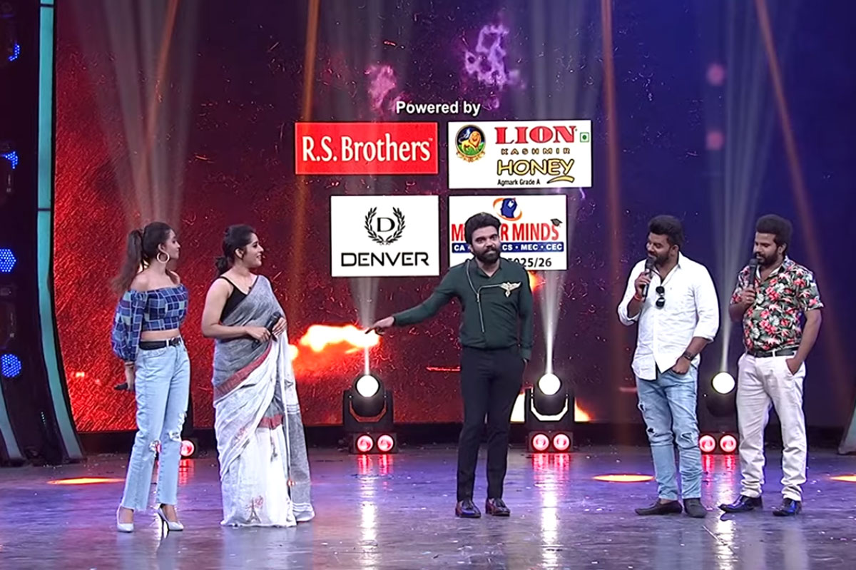 sudigali sudheer and anchor rashmi in dhee show