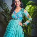Anchor Vishnupriya ABout Her Sleeping Habit