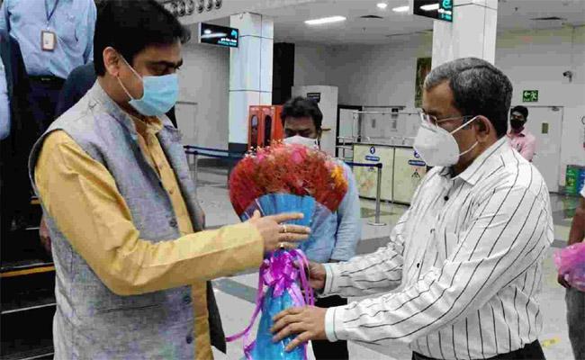 Vishakapatnam.. క్రూయిజ్ టెర్మినల్ అభివృద్ధి పనులకు కేంద్రమంత్రి శంకుస్థాపన