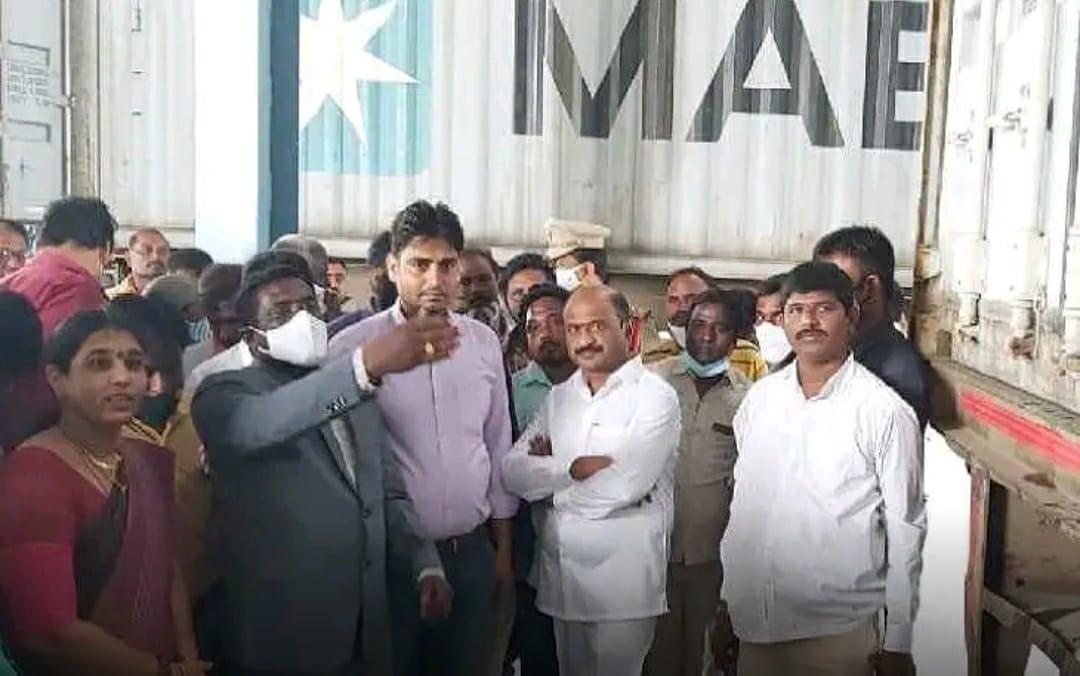 Warangal..కాకతీయ మెగా టెక్స్టైల్ పరిశ్రమలో పర్యటించిన ఎమ్మెల్యే