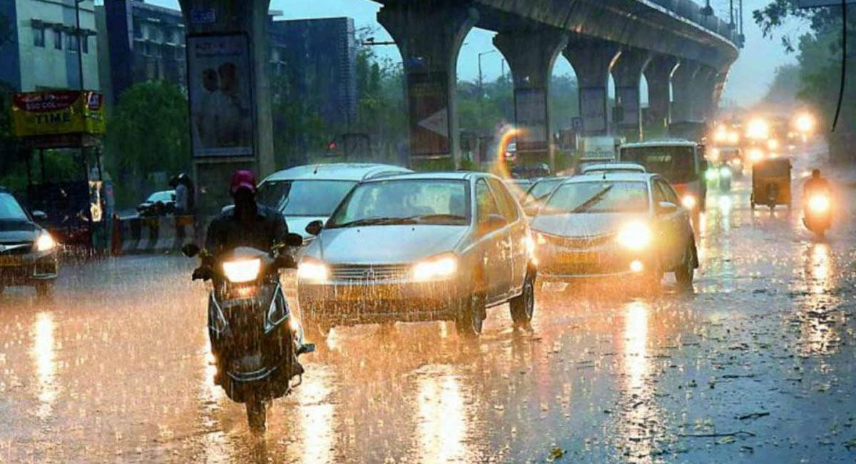hyderabad on high alert for heavy rain fall